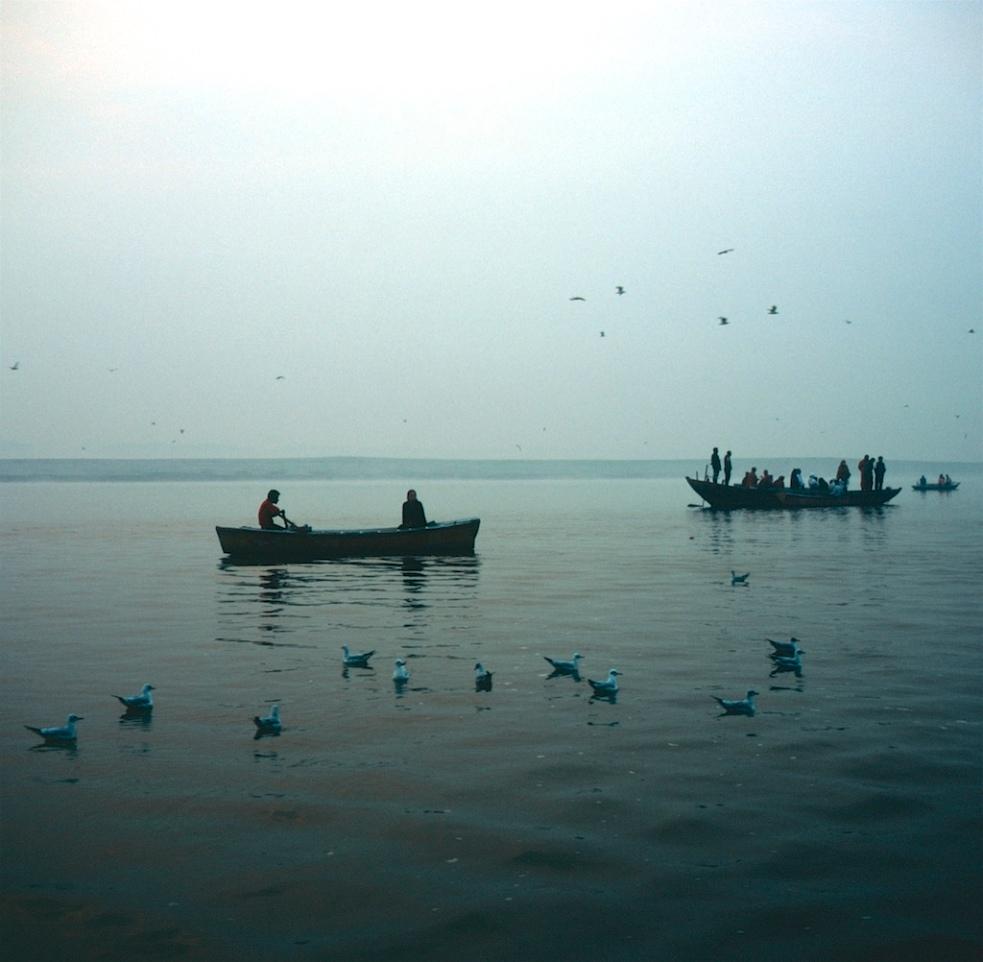 December 2018 Varanasi Mamiya6 Velvia100 15