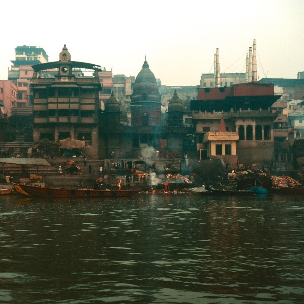 December 2018 Varanasi Mamiya6 Velvia100 16