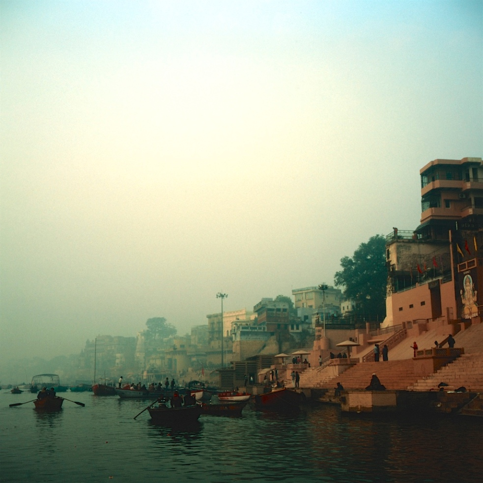 December 2018 Varanasi Mamiya6 Velvia100 19