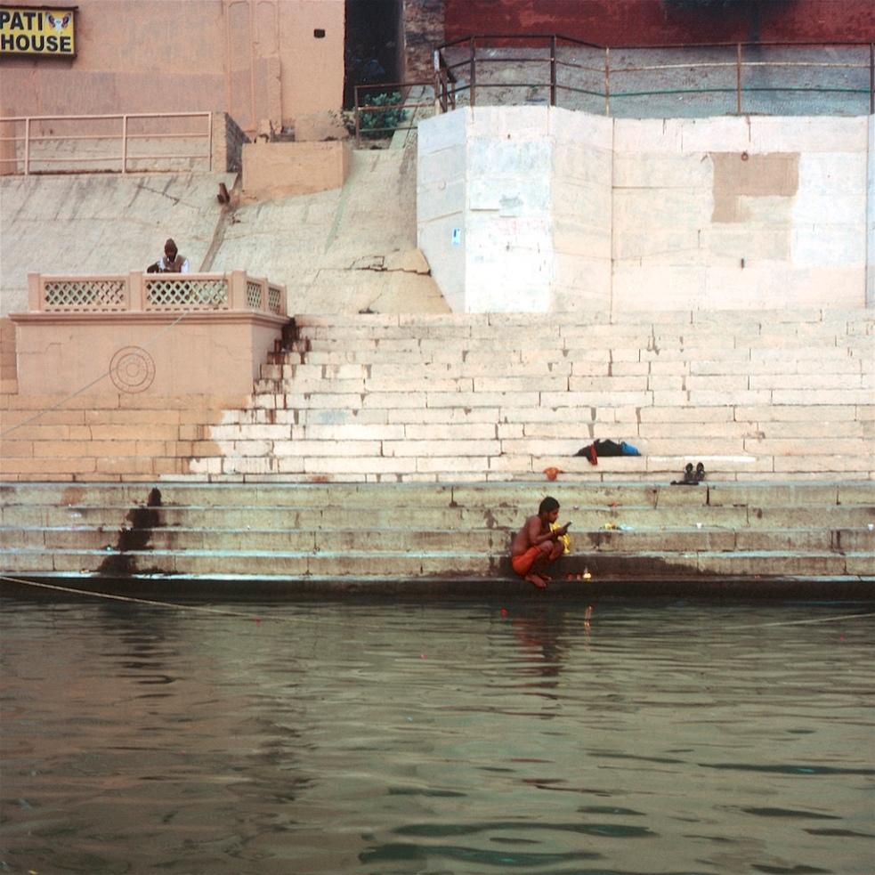 December 2018 Varanasi Mamiya6 Velvia100 20