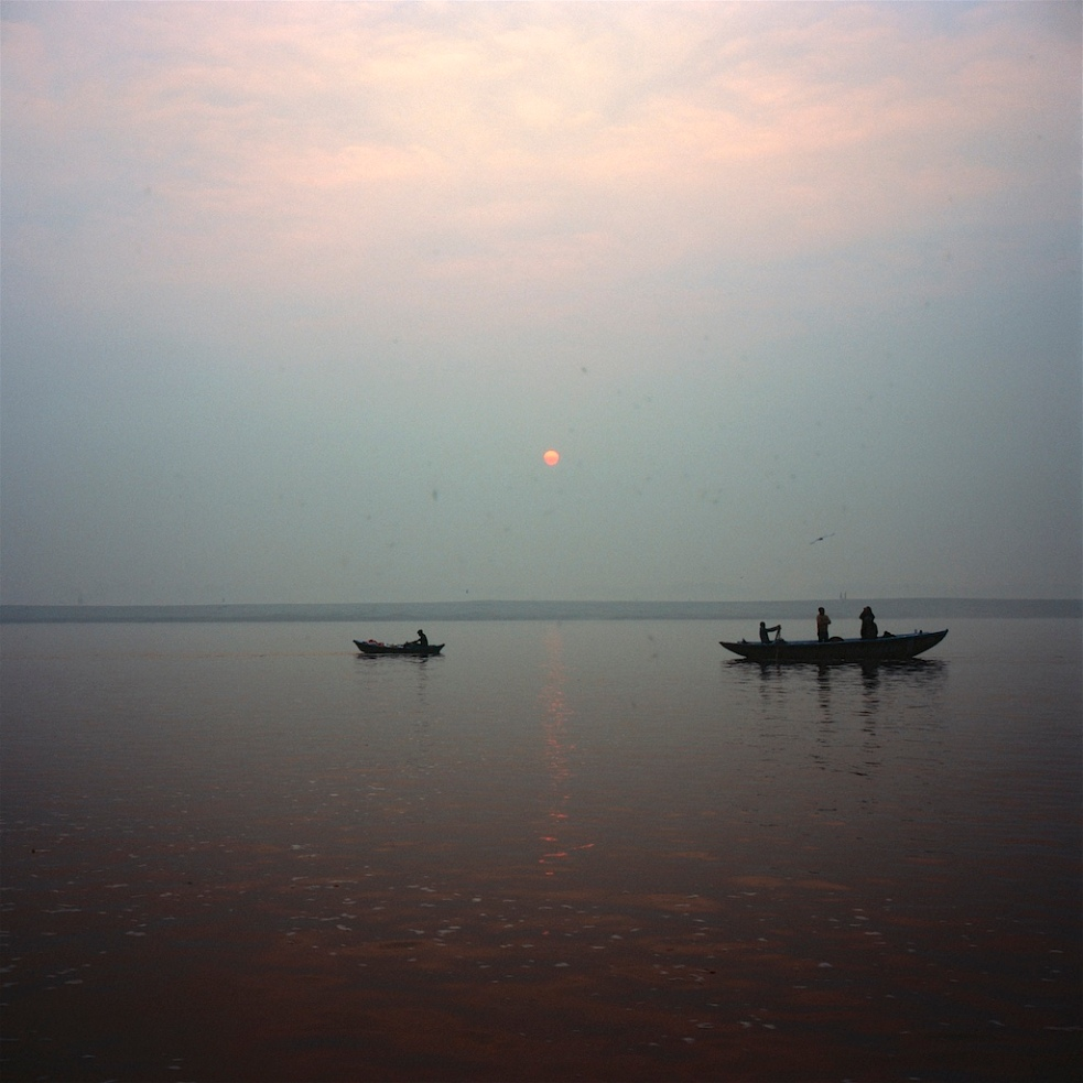 December 2018 Varanasi Mamiya6 Velvia100 23