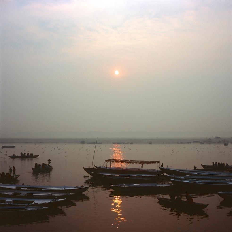December 2018 Varanasi Mamiya6 Velvia100 26